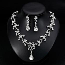 Necklaces Pendants Australia - Hot Women Jewelry Set Elegant Teardrop Rhinestone Pendant Necklace Wedding Earrings new
