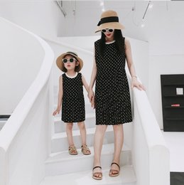 $enCountryForm.capitalKeyWord Australia - Mother and daughter matching outfits girls chiffon princess dress kids polka dots vest dress children contrast color pleated dress F7998
