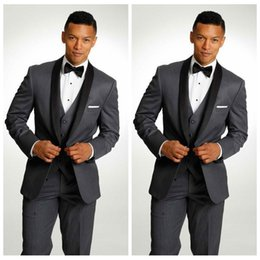 fitted tuxedos NZ - Tailor Made Gray Slim Fitted One Button Wedding Tuxedos Peaked Lapel Men Groomsmen Suits Three Pieces Prom Formal Suit (Jacket+Vest+Pants)