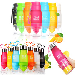 $enCountryForm.capitalKeyWord Canada - Creative Fruit Juice Infuser Water Bottle 650ml Plastic Portable Lemon Juice Bottle cups For kids student Outdoor Sport Drinking Bottle