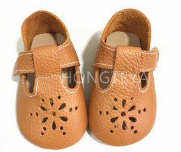 $enCountryForm.capitalKeyWord Australia - Top Sale New Style High Quality Summer Fretwork Buckle Strap Genuine Leather Baby Moccasins Toddler Hard Rubber Sole Baby Shoes J190518