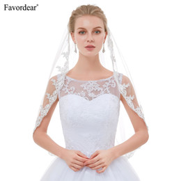 $enCountryForm.capitalKeyWord Australia - wholesale Hot Sale 2018 New Arrival Top End Lace Veils For brides Velo De Novia White Ivory Vintage Short Elbow Wedding