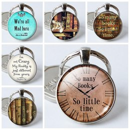 $enCountryForm.capitalKeyWord NZ - Quotes So Many Books So Little Time,Silver Plated Key Chains Quote Round Glass Dome Pendant Keychain Key Rings Holder Mans Woman Gifts