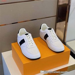 latest men flat casual shoes NZ - Mens white casual flat sports shoes Low top lace up flat sole casual running shoes The latest sports shoes for men With box 38-44