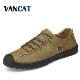 Ingrosso 2019 nuova moda in pelle primavera casual scarpe da uomo scarpe artigianali vintage mocassini da uomo appartamenti vendita calda mocassini scarpe da ginnastica di grandi dimensioni