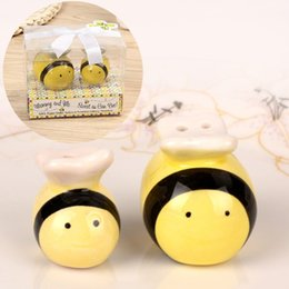 ceramic jar wholesale Australia - Bee seasoning jar spice bottle set creative cute ceramic salt and pepper shaker kitchen cooking ingredients gadgets