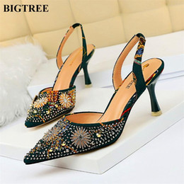 men flower dress shoes 2021 - Pointed Toe Flower Rhinestone Back Strap Sandals Woman Fashion Metal Rivet 7cm High Heels Women Pumps Shallow Party Dress Shoes
