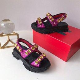 Lujo remachado Sandalias deportivas Diseñador Marca de diamantes de lujo y sandalias de ocio para mujer Moda de cuero zapatos de playa al aire libre en venta