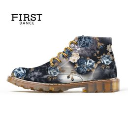 $enCountryForm.capitalKeyWord Australia - 2019 Spring Autumn New Style Fashion Flower Print Boots for Woman Ankle Boots for Lady Floral Shoes DIY Custom Sneakers