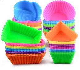 Ingrosso Stampo in silicone colorato Cuore Cupcake Sapone Stampo per dolci in silicone Mu Cottura Stampi per dolci in silicone riutilizzabile antiaderente e resistente al calore