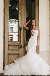 $enCountryForm.capitalKeyWord Australia - 2019 Lace Mermaid Wedding Dresses Strapless Neckline Appliques Trumpet Bridal Gowns Sweep Train Lace-up Back Tiered Country Wedding Dress