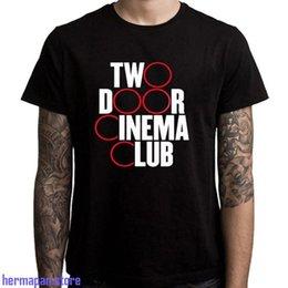 online retailer 959da cdd14 Neues Two Door Cinema Club Band Logo Herren Schwarzes T-Shirt Größe S bis  3XL