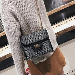 Black Patent Hand Bag Australia - Womens Handbags Lady White And Black Plaid Hand Bag Woman Knitting Shoulder Handbag Bags Woven