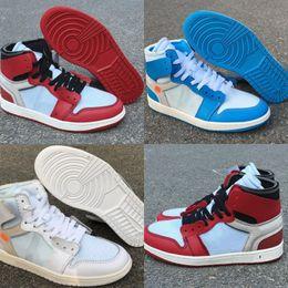 Dark Cycles NZ - High Version 1 High Chicago White Black Varsity Red Man Designer Basketball Shoes Newest Combine I White Dark Powder Blue Woman Trainers