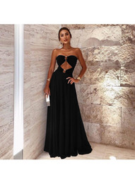 vestidos de coctel negro al por mayor-2019 New Design Black Chiffon Cuello sin tirantes Cuello Vestidos de fiesta Sweetheart Cuello Ruffles Largo Largo Cocktail Batos Sexy Zipper Back LLF2107