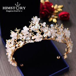 $enCountryForm.capitalKeyWord Australia - Himstory European High Quality Brides Gold Tiara Crown Butterfly Floral Wedding Hair Accessories Bridal Flower Hair Jewelry
