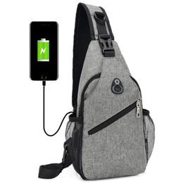 Bolsa de cuerpo cruzado Hombres Poliéster USB Bolsa de pecho Bolsa de eslinga Grande Capacidad Deporte Bolsas de ciclismo 3 Colores en venta