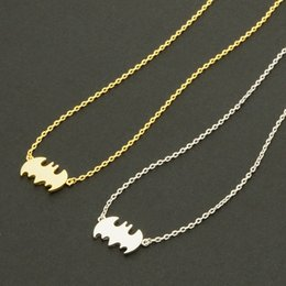 super alloy superman NZ - 1 Small animals Flying pet Vampire necklace Simple cinema Superman Batman necklace Super Hero Halloween pendant necalace jewelr