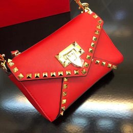 $enCountryForm.capitalKeyWord Australia - Stylish shoulder bag, small chain handbag Made from soft metal Napa. Quilting process, embellished with rivets. With detachable sliding chai