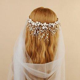 Discount japanese pearls - Japanese and Korean Bride's Crown Handmade Pearl Alloy Bridal Headdress 16*16CM Crystal Bridal Crown Tiara Luxury W