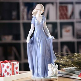 porcelain gift ornaments Australia - European Ceramic Beauty Figurines Home Decoration Accessories Crafts Western Porcelain Handicraft Ornament Wedding Gift