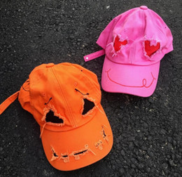 $enCountryForm.capitalKeyWord Australia - 99% is Pink Love Orange Pure Cotton Hand-painted Graffiti Ghost Face Destroying Corner Baseball Cap
