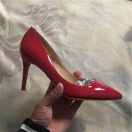 Vente en gros 2019 rouge De luxe chaussures femme talon Marque Pointu orteils Designer Pompes Femmes Sandales Talons hauts Dames bas Élégant chaussure de banquet 8 cm
