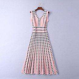 2019 damas de lujo más nuevo de impresión a cuadros de punto con cuello en V vestidos a media pierna sin mangas de moda vestidos de pista 190328A0323