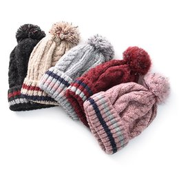 Wholesale Korean Style Big Wool Ball Mixed Color Knitting Outdoor Thickening Cap Warm Autumn Winter Lady Hat Gift
