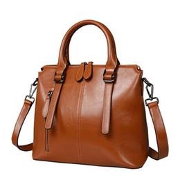 17d4e9eb112 Moda cera de aceite de lujo de cuero genuino maletín asa superior bolsos de  hombro de las señoras femeninas bolsos mujeres azul bolso de mano