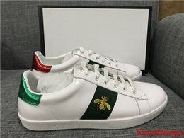 green lace man shoes Australia - Discount Lady Fashion Men Women Casual Shoes Italy Designer Sneakers Shoes Leather Top Quality Green Red Bee Embroidered Black Tiger 35-46
