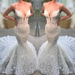 a9279cd7af 2019 Sheer Net V cuello bohemio vestidos de novia de encaje Novia Sexy  sirena correas espaguetis sin espalda espalda abierta vestidos de novia