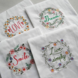 $enCountryForm.capitalKeyWord NZ - High-quality home Furnishing Fabric Art Napkin Lint Free Water Absorbency Embroidery Wine Luxury Towels