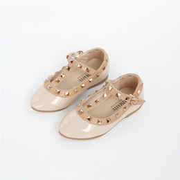 $enCountryForm.capitalKeyWord Australia - New Arrival 2019 Autumn Little Girls Nude Sandal Stud Shoes For Girl Princess Slip-on Dance Shoes Kid Rock Studded Shoe