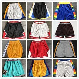 Großhandel Top Qualität ! Genäht team basketball shorts männer männchen pantaloncini da korb sport mens kurze hosen weiß schwarz rot lila grün