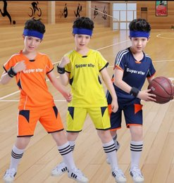 Boy Footballs Australia - World Cup Children's Football Suit Boys Summer Suit Short Sleeves for Children's Summer Sports