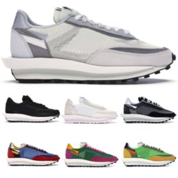 solid blue running shoes NZ - New Mens 2020 Designer Sneakers LD Waffle Sacai Black White Nylon Womens Trainers Green Blue Multi Fashion Casual Shoes Men Running Shoes