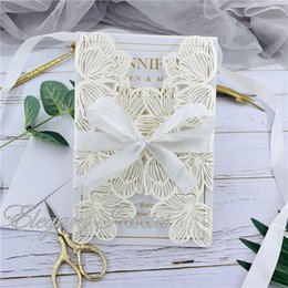 $enCountryForm.capitalKeyWord Australia - Ivory Exquisite Iridescent Pearl Paper Wedding Invitation Card Leaves Pattern Hollow Out Carved Crafts Card for Wedding Party free shipping