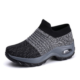 Air cushion bottom gym shoes womens anti fatigue hiking shoes slip on mixed color fitness boot ankle sock shoe z2 on Sale