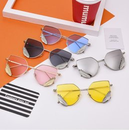 Frames Definition NZ - New Brand Designer Metal Feather Dec Frame Sunglasses Butterfly Shape High Definition Sun Glasses With Free Box And Cloth