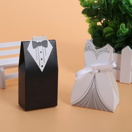 Dress Party Favor Boxes Australia - 100pcs lots Bride And Groom Dresses Wedding Candy Box Gifts Favor Box Wedding Bonbonniere DIY Event Party Supplies