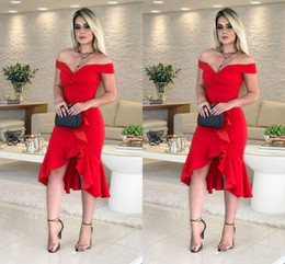 knee low bridesmaid dresses UK - Sexy Red High Low Cocktail Party Dresses Cheap 2019 Off Shoulder Pleated Ruffle Backless Short Prom Dress Evening Gowns Bridesmaid Dress