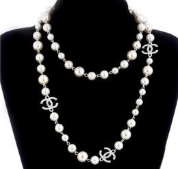 c6b3a5d3ea61 2019 Nuevo Collar de Cadena Suéter Largo Collar Maxi Collar de Perlas  Simuladas Mujeres Joyería de Moda Bijoux Femme Regalos de Navidad