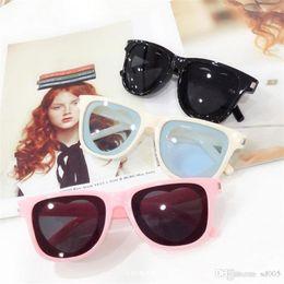 $enCountryForm.capitalKeyWord Australia - Ins Women Sunglasses Heart Shaped Sunglass Bar Female Eyewear Plastic Multi Colours Popular Brand Lovely Hot Sale 7mm I1