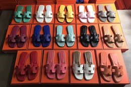EN-Kaliteli Kadın Sandalet Tasarımcı Ayakkabı Marka Slayt Yaz Moda geniş Düz Kaygan Sandalet Terlik Flip Flop boyutu 35-41 kutusu ile H2 indirimde