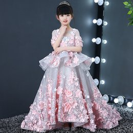 $enCountryForm.capitalKeyWord Australia - 2019 Beautiful Purple and White Flower Girls Dresses Beaded Lace Appliqued Bows Toddler Pageant Little Gowns for Kids Wedding Party
