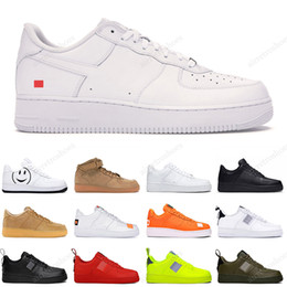 Vente en gros 2020 Nike Air Force 1  Hommes Femmes Designer Casual Sneakers Skateboard Chaussures Low Black White Utility Red Flax High Cut High quality Mens Trainer Sports Shoe