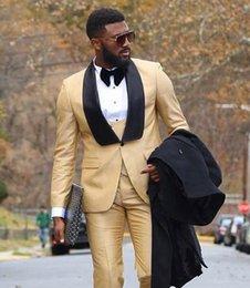 Toptan satış Yeni Siyah Kardeşler Için Yaka Groomsmen Bej Bir Düğme Damat Smokin Erkek Takım Elbise Düğün / Balo / Akşam Yemeği İyi Adam Blazer