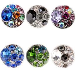 Venta al por mayor de Snap Button encantos joyería de cristal de alta calidad de 18 mm de metal Noosa Chunk Rhinestone Estilos pulseras galletas de jengibre para la Mujer