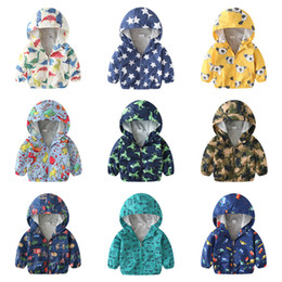 $enCountryForm.capitalKeyWord Australia - High Quality Newest Kids Girls Boys Hooded Jacket Cotton Lined Light Windbreaker Coat Cartoon dinosaur Bear Star Patterns Printed 25 Colors